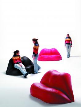 LIPS Sofa by Dali